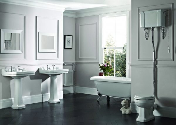 Vitoria roomset with high level cistern scaled