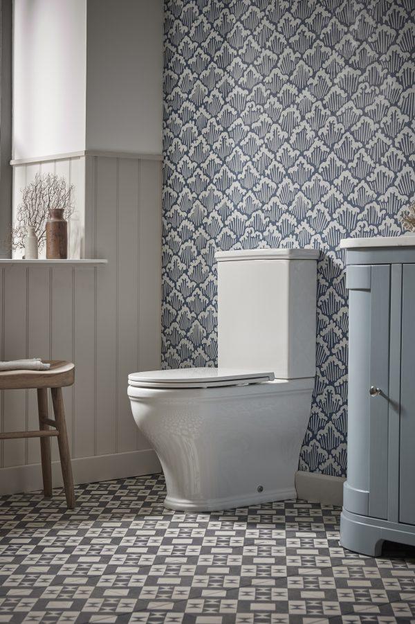 Lansdown Close Copuled WC lifestyle v1